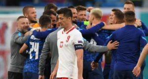 يورو 2020.. ليفاندوفسكى: موقفنا أصبح صعبا للغاية بعد الهزيمة من سلوفاكيا